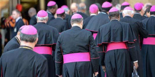 L'évêque protégé de l'Esprit-Saint